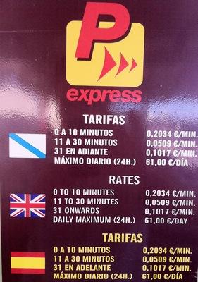 geniales Revenue Management Preisschema für das Parken am Flughafen von Santiago de Compostella #revenuemanagement #pricing